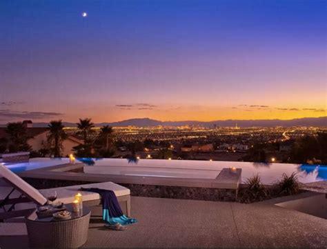 Airbnb Vegas | airbnb las vegas goop