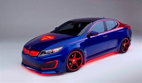 Kia Optima Customized Kia Unveils Superman Themed Optima Hybrid In Chicago Kia