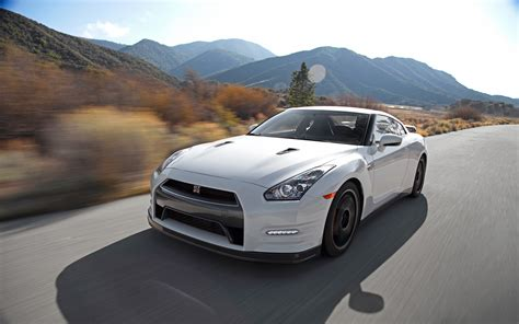 2013 Nissan Gtr Black Edition | 2013 nissan gt r black edition long term arrival motor trend