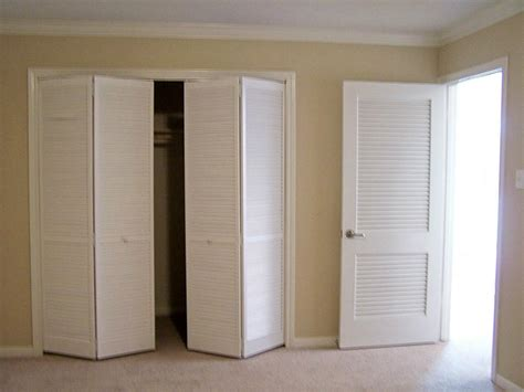 How To Paint Louvered Closet Doors Louvered Closet Doors For Bedrooms Home Design Ideas