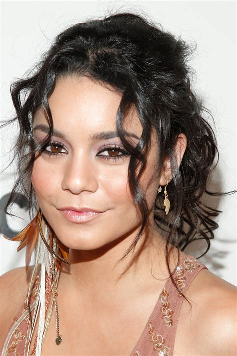 can sholder bobs made into ponytails fantastic curly hairstyles for medium length hair women