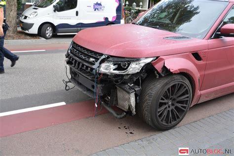 range rover van sven van beek feyenoord ramt vier auto s autoblog nl