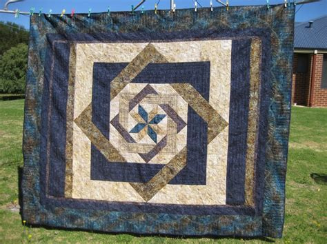 Labrynth Quilt by Labyrinth Quilt Quilting