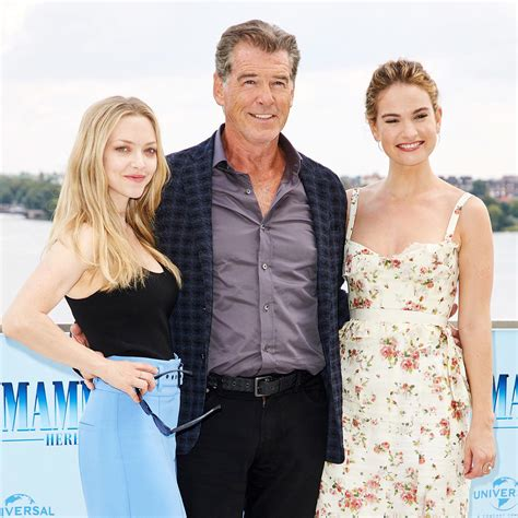 amanda seyfried movies and tv shows seeing stars best celebrity photos from set red carpets