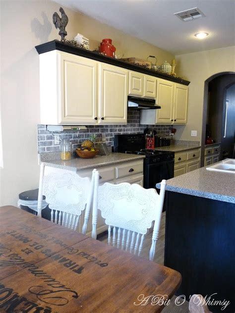annie sloan painted kitchen cabinets kitchen cabinets painted with annie sloan chalk paint at