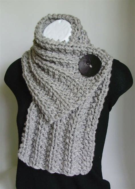 learn how to knit a scarf crochet scarf click image to find more diy crafts