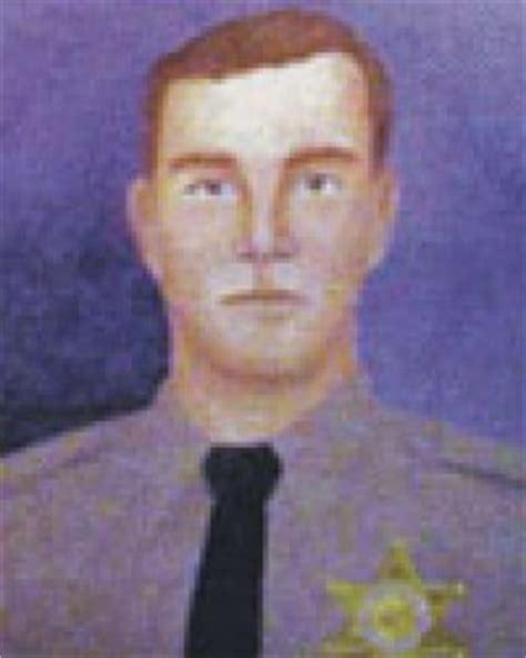 lynn lew k9 vids deputy sheriff lynn lewis los angeles county sheriff s