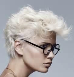 top 5 des coiffures pour vos cheveux courts