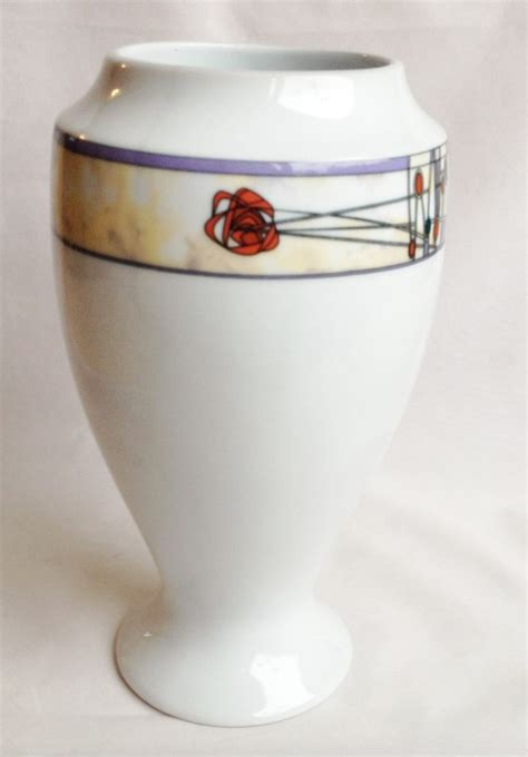 Rennie Mackintosh Vase by Nivag Collectables Glencairn Rennie Mackintosh Design