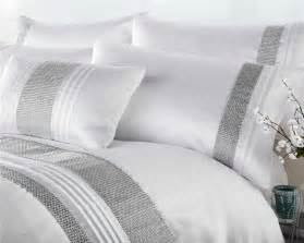 White Linen Curtains 96 New King Size White Amp Silver Diamante Luxury Duvet Quilt