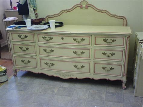 hand painted bedroom furniture handpainted furniture blog shabby chic vintage painted