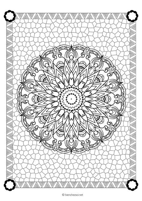 Coloriage mandala fleuri, dessin anti-stress gratuit pour