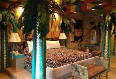 themed hotel rooms nj themed hotel rooms weirdest themed fantasy suites in nj