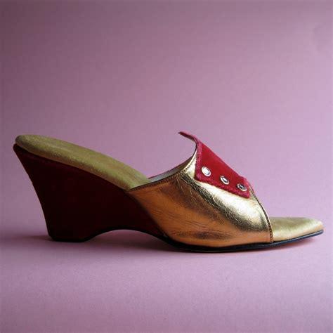 1950s slippers vintage 1950s velvet shoe wedding bedroom slippers gold