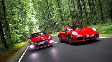Porsche 911 Turbo Vs Gtr by Porsche 911 Turbo S Vs Nissan Gt R 2014 Review Car