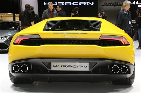 lamborghini back the lamborghini huracan 18 things you didn t know motor