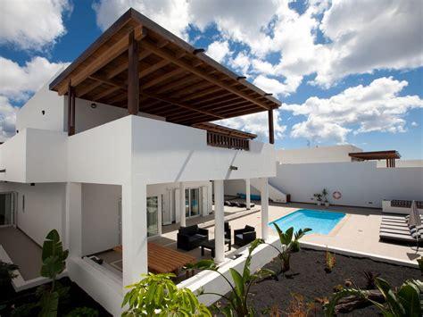 6 bedroom villa lanzarote 6 bedroom villa in puerto calero lanzarote 8139132