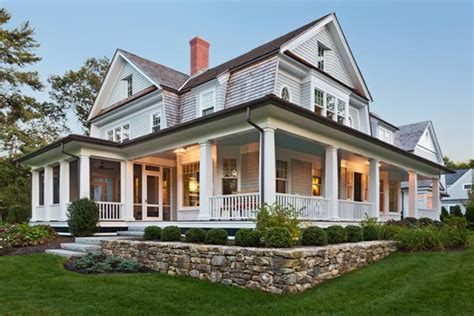 Farmhouse With Wrap Around Porch Plans by Wraparound Porches 9 Old House Trends You Want To Bring