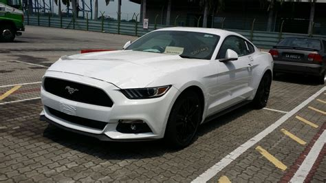 Ford Mustang 2 3 2016 2016 ford mustang spotted in malaysia 2 3 litre ecoboost