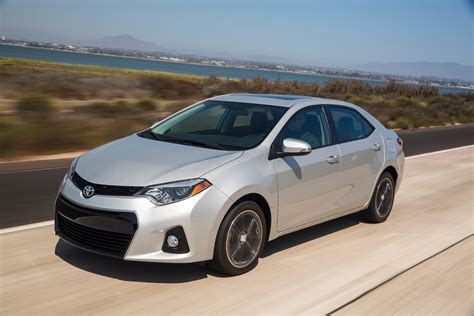 Toyota Corolla Review Dch Freehold Toyota 2015 Toyota Corolla Review