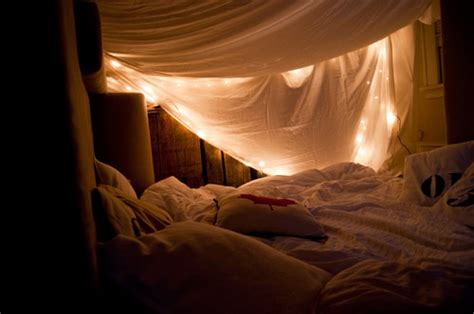How To Make A Bed Like Pottery Barn Blanket Fort Making Life Pretty