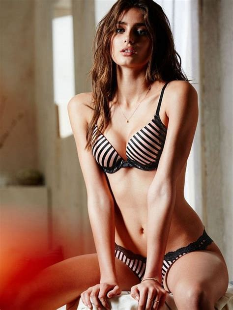 brunette angel taylor marie hill barnorama