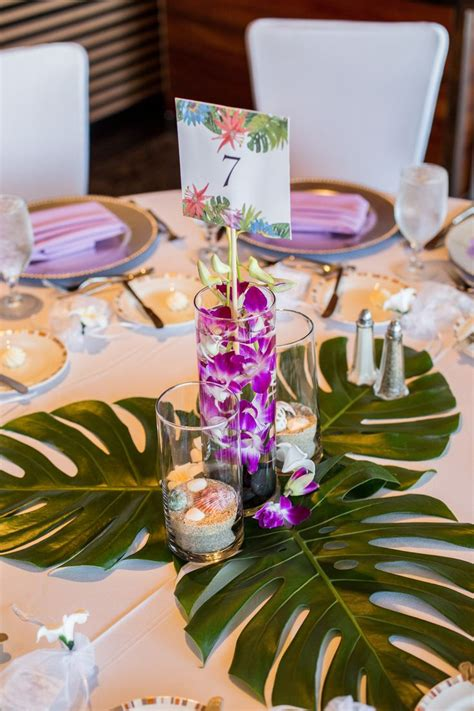 themed table centerpieces best 25 hawaiian centerpieces ideas on