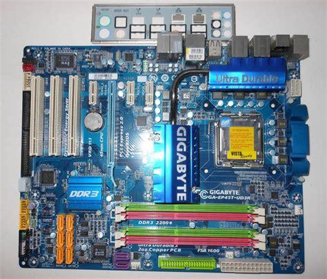 Motherboard Gigabyte Ga Ep45t Ud3r Ddr3 775 Mulus Hebat gigabyte ga ep45t ud3r lga775 intel p45 2 duo ddr3 2200 motherboard ebay