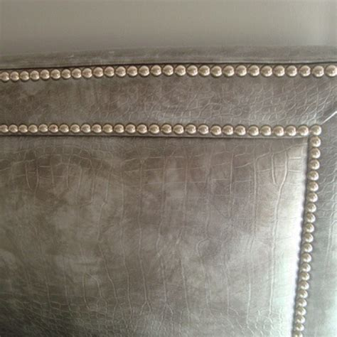 Studded Headboard Diy by Best 25 Studded Headboard Ideas On Nailhead Headboard Creative Headboards Diy And