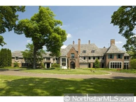 kevin garnett house bbq talk the big ticket is selling his house