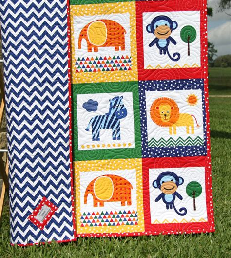 Zebra Patchwork Quilt - animal baby quilt patchwork safari zoo jungle blanket boy