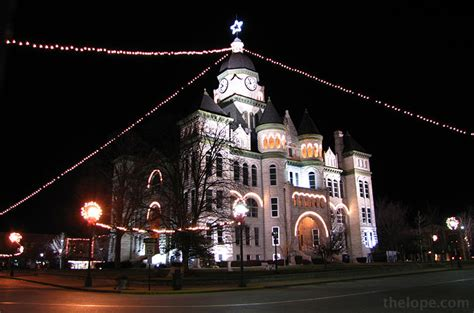 carthage mo christmas lights the courthouse in the town square of carthage missouri