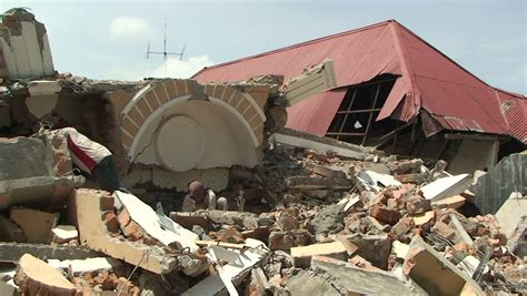 earthquake live indonesia padang indonesia circa october 2009 destroyed