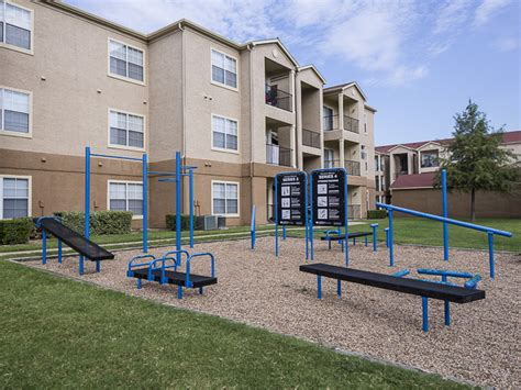 3 Bedroom Apartments In Mesquite Tx by Landmark At Courtyard Villas Apartment Homes Rentals