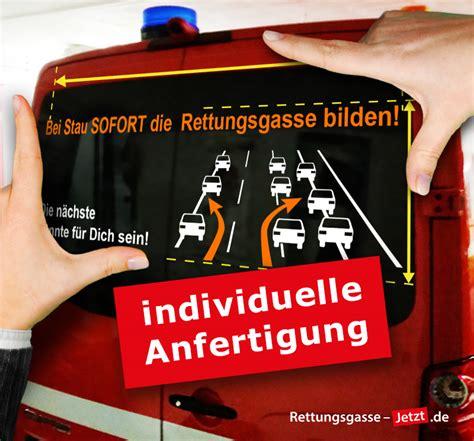 Aufkleber Auf Der Heckscheibe by Sonderanfertigung Heckscheiben Aufkleber Rettungsgasse