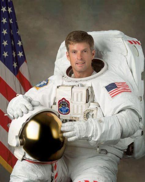 astronaut biography steven swanson space