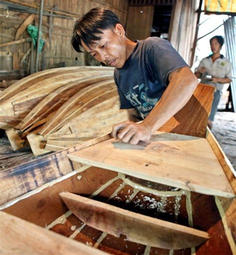 photos fishing net boat making villages busy in flood - Boat Making