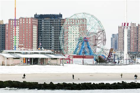 Kaos Tourism New York 1 Oceanseven top 6 things to do at new york s coney island in winter