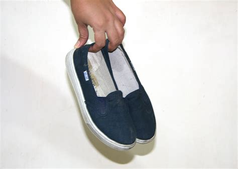how to remove odor from shoes how to remove odor from your shoes with baking soda