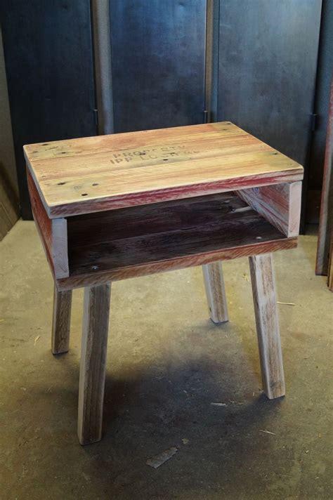table de nuit en palette fabriquer une table de nuit avec des palettes oveetech