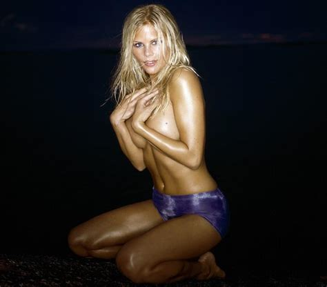elin nordegren tiger woods ex wife watched the polo ponies in elin nordegren goes from tiger woods sexy ex to a nobody