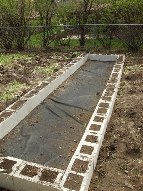Cinder Block Raised Bed by Diy Raised Garden Beds With Cinder Blocks Home Design