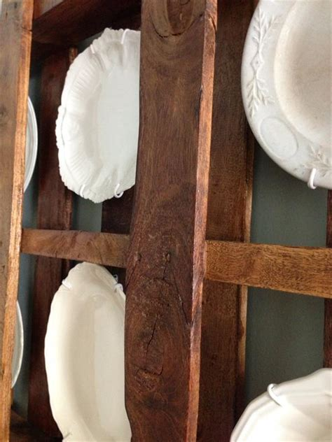 diy pallet plate rack wall display idea pallet furniture plans