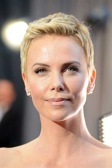 Charlize Theron Hairstyles by 15 Charlize Theron Pixie Cuts Hairstyles 2017