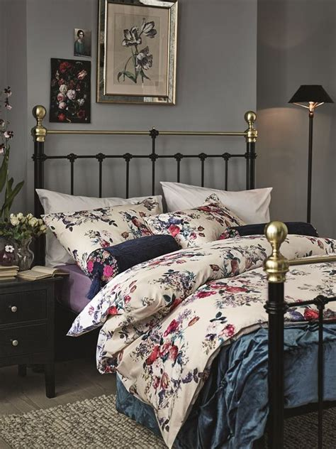 floral bedroom 36 adorable bedding ideas for feminine bedrooms digsdigs