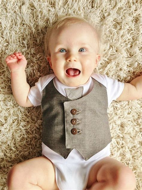 25  best ideas about Baby vest on Pinterest   Baby knits
