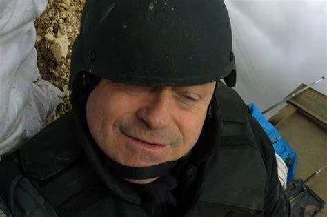 isis targets ross kemp  eastenders star dodges bullets  syria