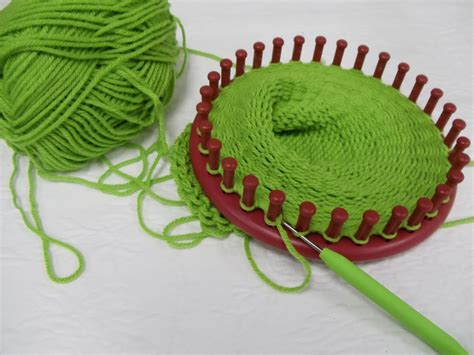 how to loom knit a hat 1000 images about loom knitting on