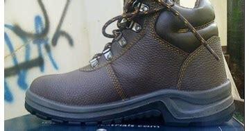 Sepatu Bata Titan sepatu safety bata dan kad
