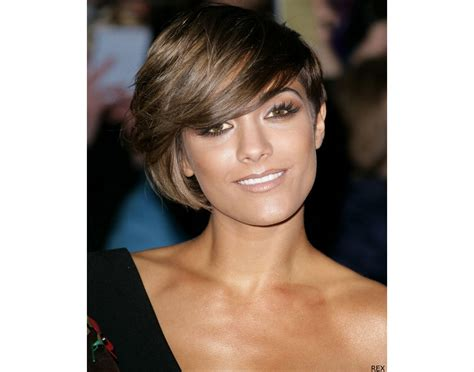 short hairstyles for oval faces african america short bob hairstyle for round face